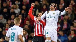El Madrid rebutja el regal del Barça i empata amb l'Athletic