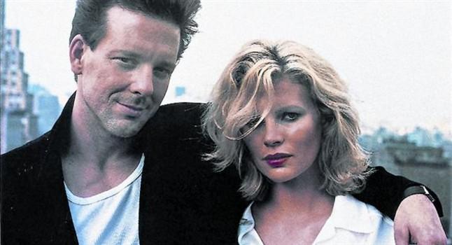 L'actriu, l'any passat (esquerra) i amb Mike Rourke a 'Nou setmanes i mitja'.