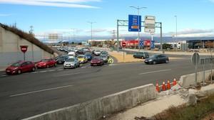 Dues noies mortes i un noi ferit al caure amb el cotxe sobre la A-7 a Tarragona