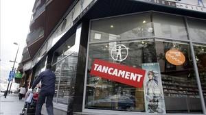 Liquidación por cierre de la última tienda de Tonet de la Música en Andorra la Vella, en abril del 2011.