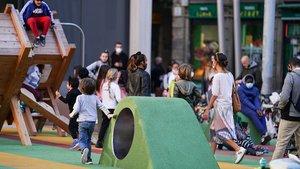 Los vecinos del Gòtic recuperan el espacio de la Plaça de Sant Miquel