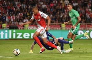 Mbappé, durante un partido contra el Saint-Etienne de la pasada temporada.