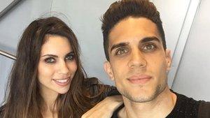 Marc Bartra y Melissa Jiménez.