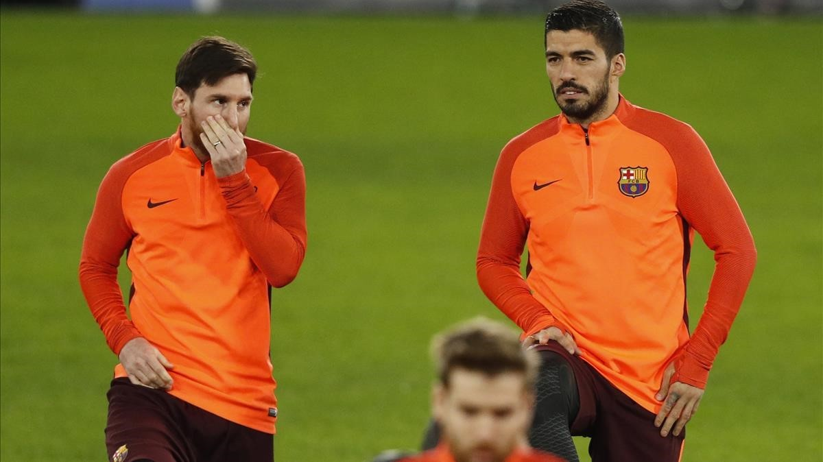 Messi y Suárez, en el entrenamiento en Stamford Bridge.