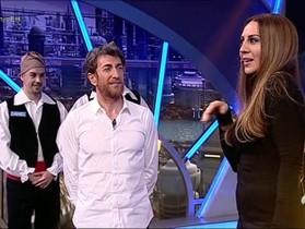 Mónica Naranjo, con Pablo Motos, en 'El hormiguero'.