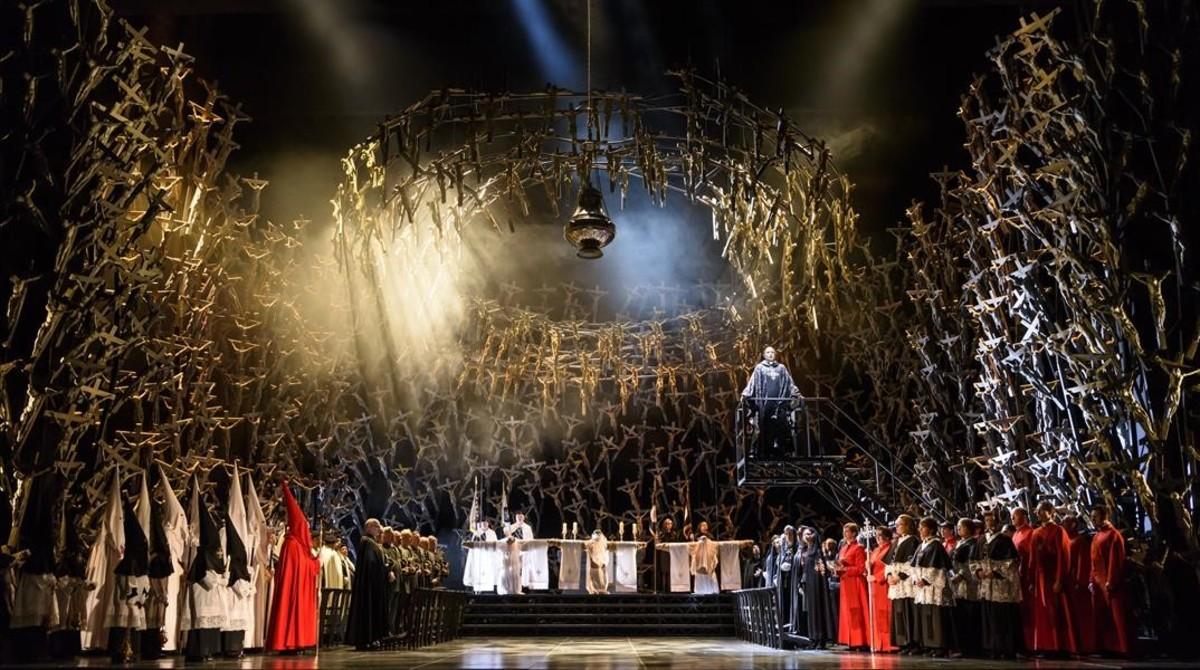 El montaje de la Fura de 'Norma', en Covent Garden, que inaugura la temporada de la Royal Opera House de Londres.