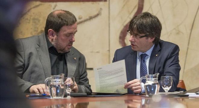 Oriol Junqueras y Carles Puigdemont, en la reunión del Consell Executiu.