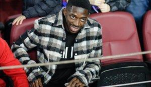 Ousmane Dembélé, en la grada del Camp Nou, antes de presenciar el Barça-Levante.