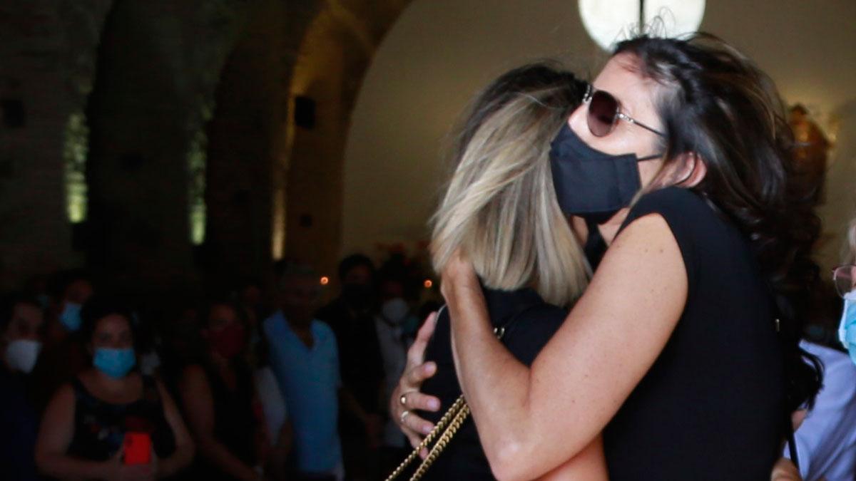 Paz Padilla, una semana después de la muerte de su marido: Soy un animal herido, pero avanzo, En la foto, la presentadora durante el entierro de Antonio Vidal.