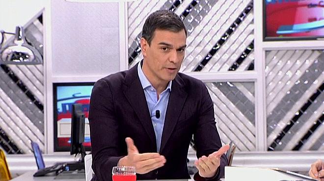 Pedro Sánchez respondecon un No, gracias a la oferta dePodemos para concurrir con listas conjuntas al Senado y poder así superar al Partido Popular en la cámara alta.