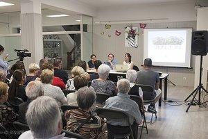 La ciutadania de Parets del Vallès acull el projecte 'Parets amb flors' amb una alta participació