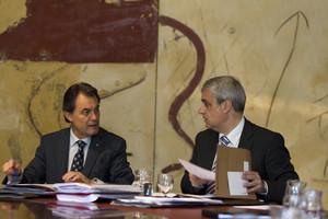 El president, Artur Mas, amb el secretari del Govern, Germà Gordó (dreta), durant el Consell Executiu del 21 de juny.