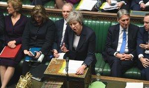La primera ministra británica, Theresa May, durante su intervención ante la Cámara de los Comunes, este miércoles.