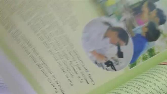 Denuncian adoctrinamiento ideológico partidista en los libros de texto de Catalunya.