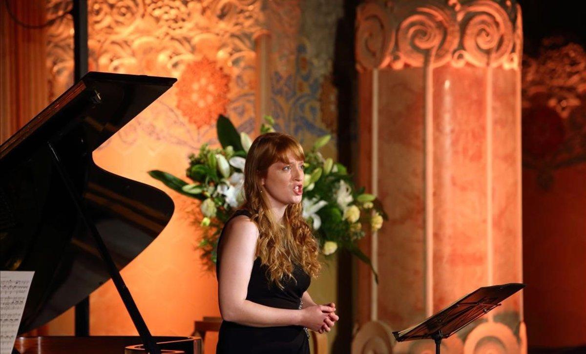 La soprano Carine Tinney, durante su recital dentro del festival LIFE Victoria, en la sala Domènech i Montaner del recinto modernista de Sant Pau,el 9 de noviembre .