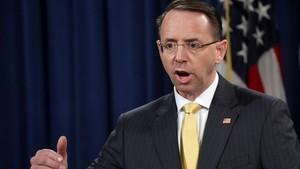 Rod Rosenstein, fiscal general adjunto, anuncia la acusación formal contra 13 ciudadanos y tres empresas rusas, en Washington, el 16 de febrero.