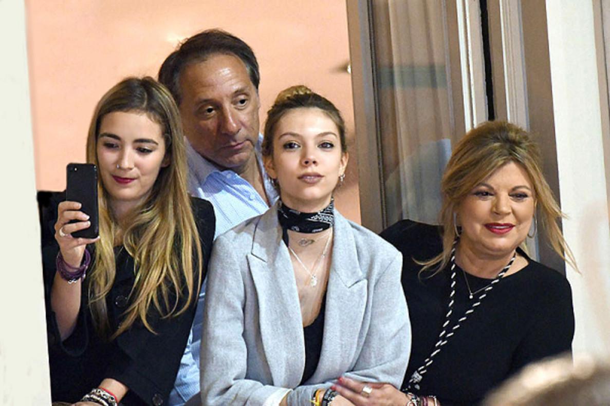 Terelu impide un debate sobre la mayoría de edad de su hija en 'Sábado Deluxe' y Belén Esteban se enfada