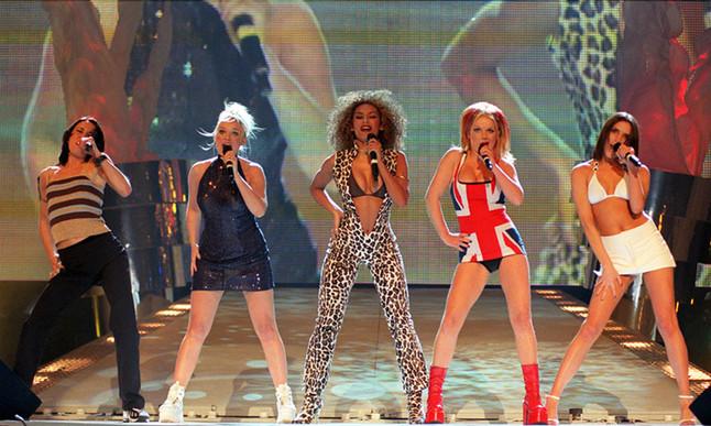 Las Spice Girls en una actuación en 1997.