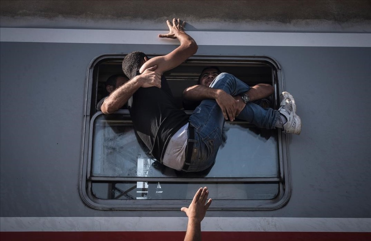 La crisis de los refugiados en Europa. Es una de las imágenes premiadas en el World Press Photo.