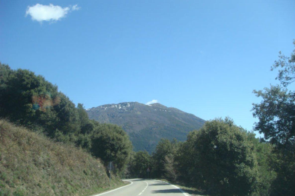 Acceso al Parc Natural de Sant Llorenç del Munt.