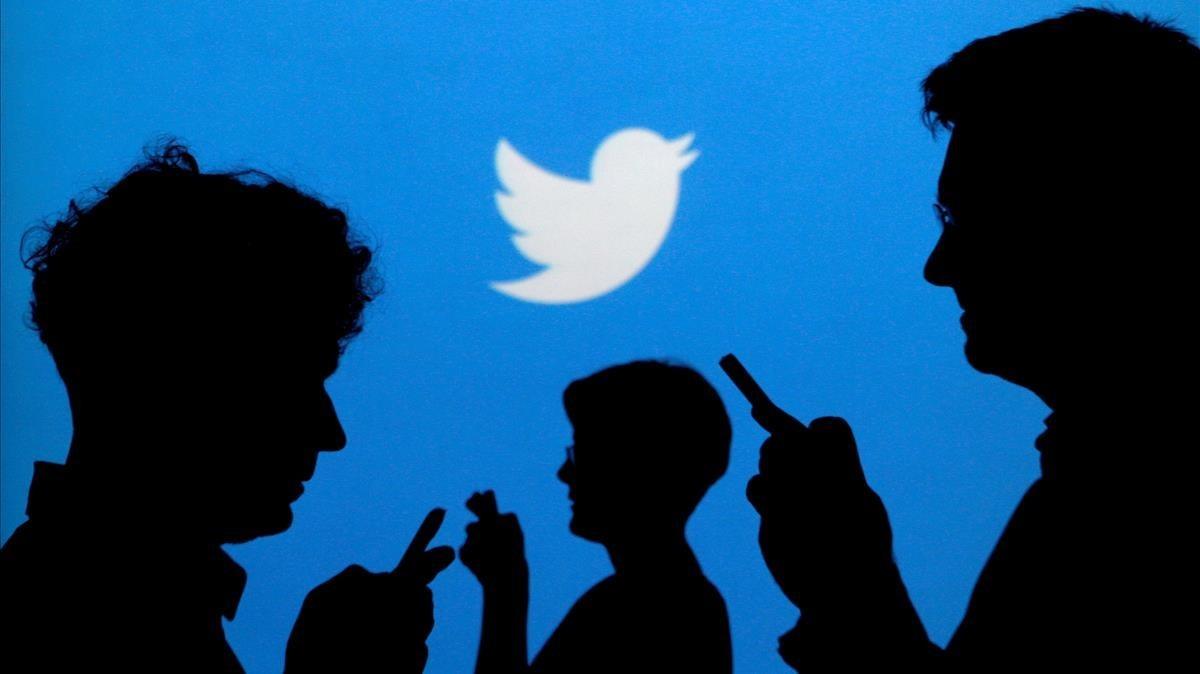 Twitter canceló la cuenta de Jones por difundir informaciones falsas.