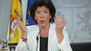 La portavoz del Gobierno, Isabel Celaá, este viernes tras el Consejo de Ministros.