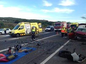 Un mort i tres ferits en un xoc frontal a l'N-340 a Tarragona