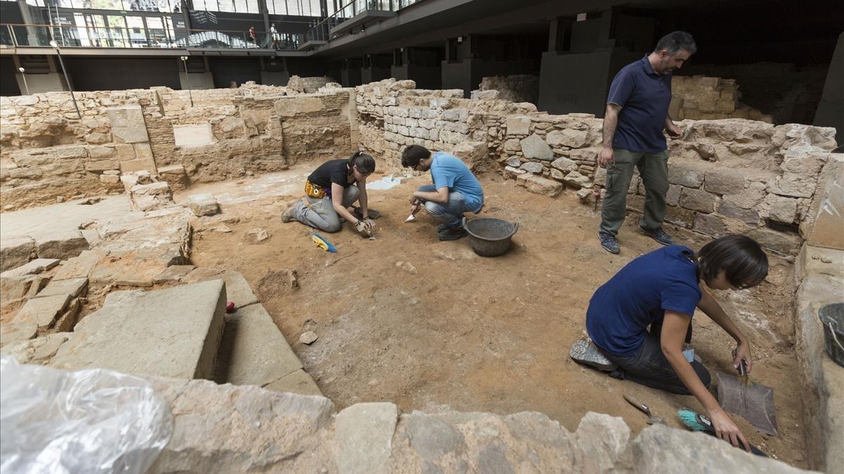 Intervención arqueológica en el yacimiento del Born.