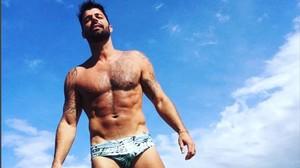 Ricky Martin presumeix de cos fibrós