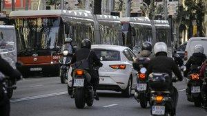 Catalunya ajudarà a canviar el cotxe als afectats per la Zona de Baixes Emissions