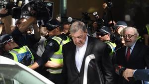 Austràlia jutjarà per abusos sexuals el cap de finances del Vaticà