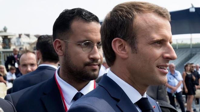 Alenxandre Benalla, junto aEmmanuel Macron