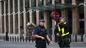 Un detingut a Londres després d'apunyalar un home a una mesquita