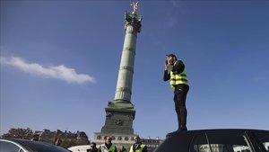 Els Armilles Grogues tornen a tallar carreteres i refineries a França