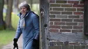 I Theresa May gairebé va emmudir