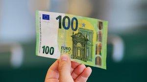 Així són els nous bitllets de 100 i 200 euros que entraran en circulació aquest dimarts
