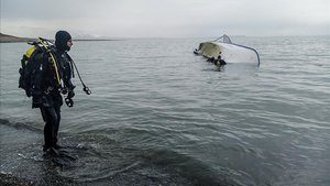 Set immigrants moren al naufragar un bot en un llac de Turquia