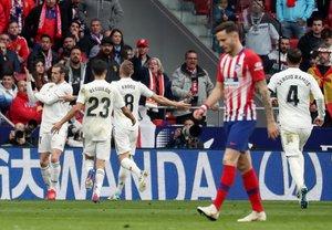 Gareth Bale (i) en la celebración que ha provocado la denuncia.