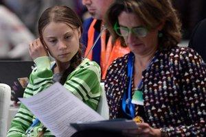 La activista Greta Thunberg y la ministra en funciones para la Transición Ecológica Teresa Ribera en la Cumbre por el Clima.