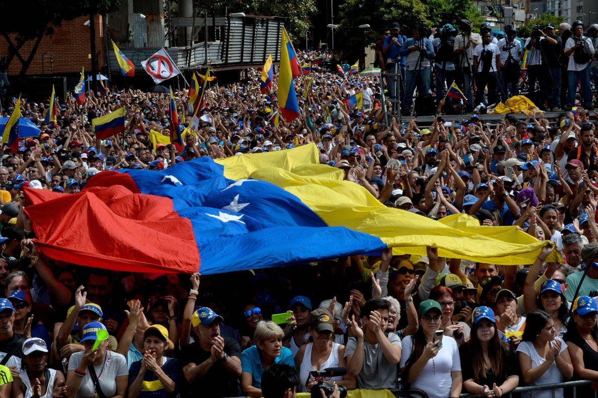 Para Canadá el camino correcto para el pueblo de Venezuela es que esta crisis sea resuelta por el propio pueblo de Venezuela.