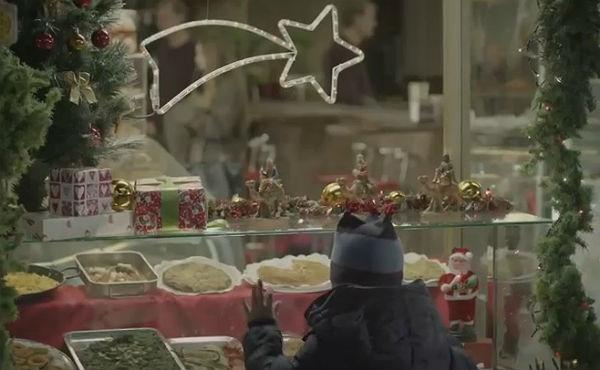 Campanya nadalenca de loenagé Educo per pal·liar la malnutrició infantil a Espanya.