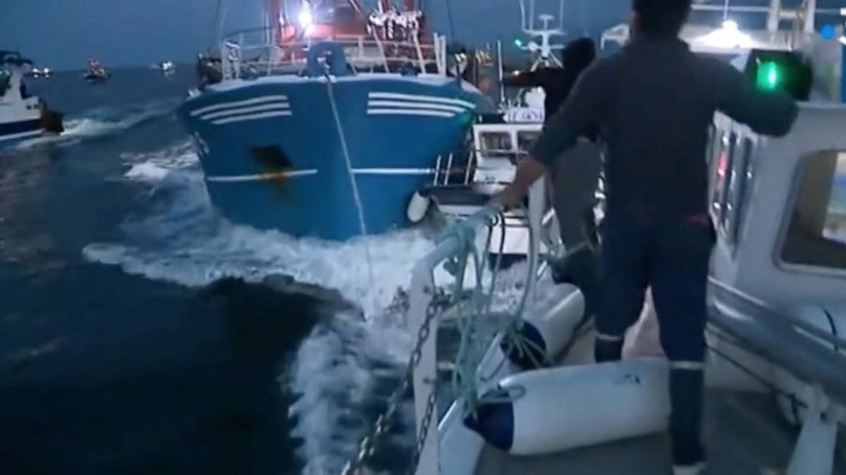 Batalla naval entre pescadores franceses y británicos en el Canal de la Mancha