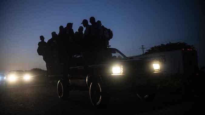 La caravana de migrantes hondureños avanza cruzando México
