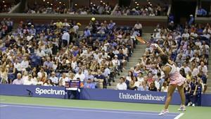 Carla Suárez, durante su partido de cuartos en el Abierto de EEUU.