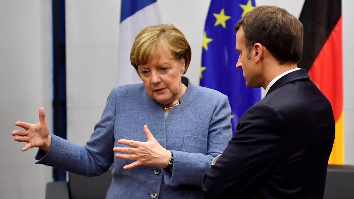 La cancillera Angela Merkel y el presidente Emmanuel Macron, en la cumbre del clima de Bonn (COP23).