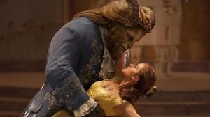 La Bella y la Bestia, deBill Condon, es una de las películas que destacan en la cartelera.