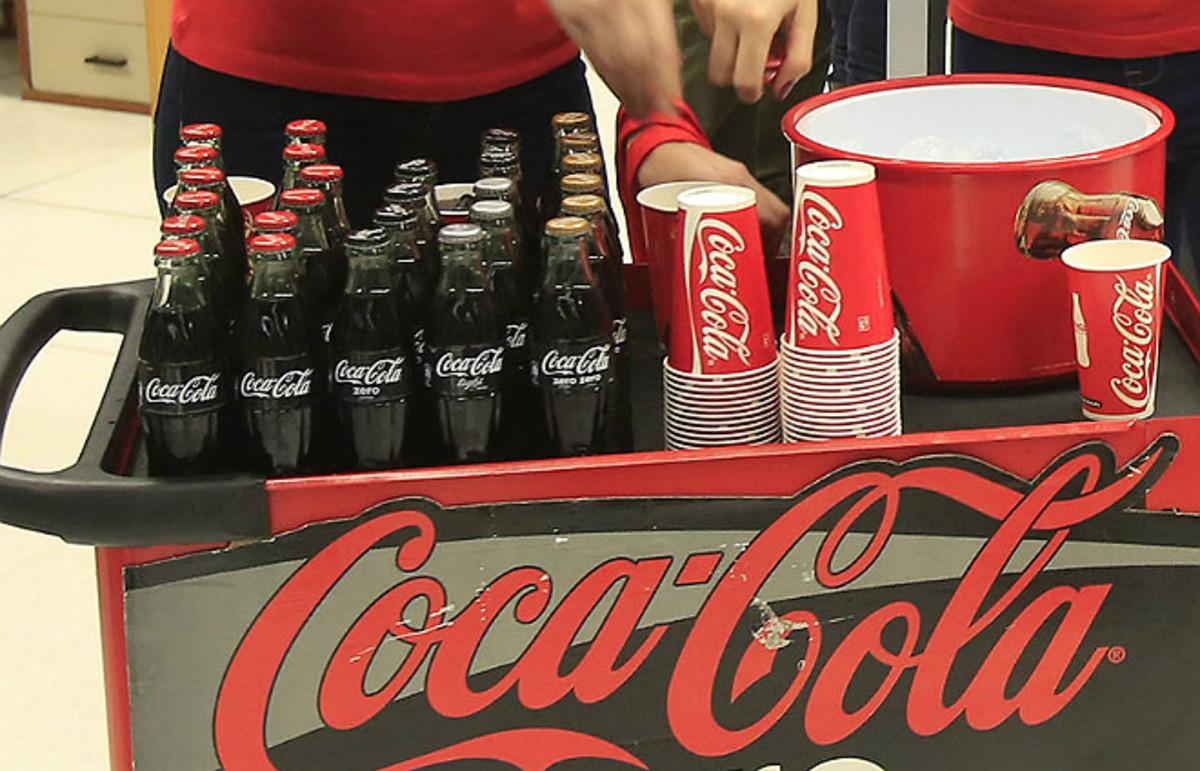 Coca-colas.
