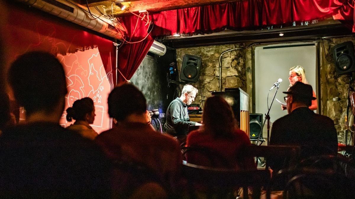 Concierto de Albert Bover en la sala Robadors 23, en el Basement Bcn Jazz Fest