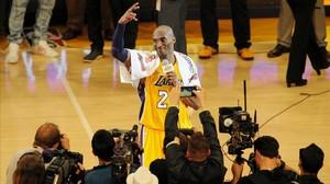 Kobe Bryant anota 60 punts en un comiat somiat de la NBA