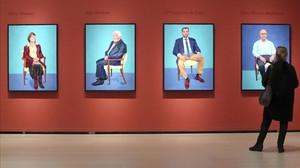 Cuatro de los 82 retratos realizados por el británico David Hockney, que se exponen en el Guggenheim de Bilbao.